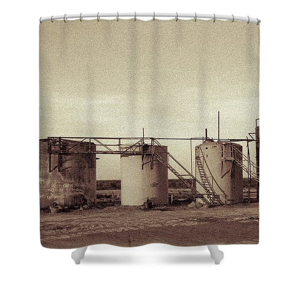 2016_10_pecos Tx Battery Tanks 1 Shower Curtain