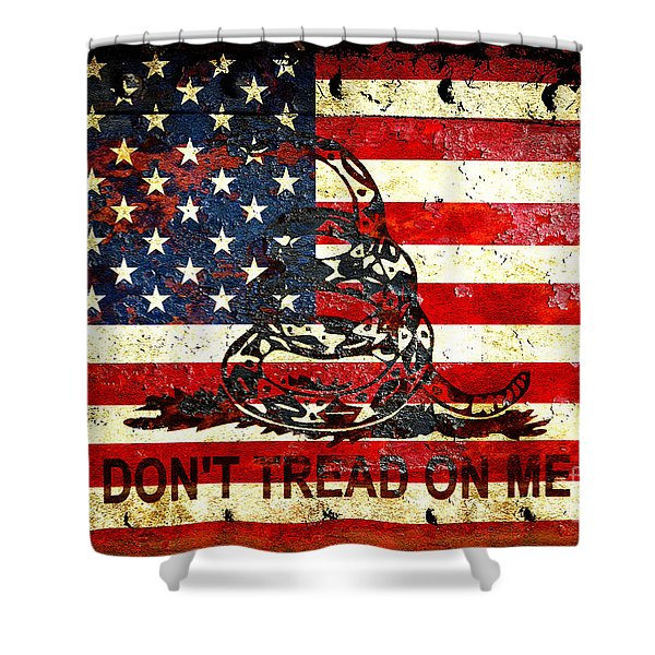 American Flag And Viper On Rusted Metal Door - Don't Tread On Me Shower Curtain
