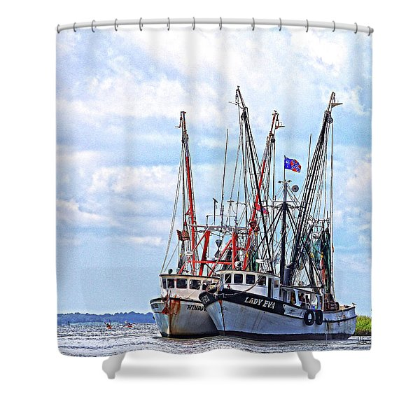 Art Of The Turn Shower Curtain
