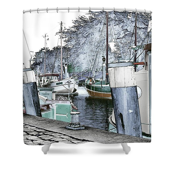 Art Print Boat 2 Shower Curtain