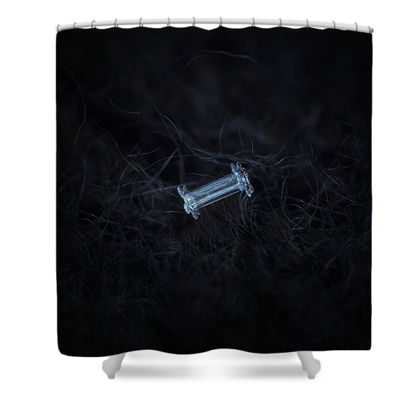 Snowflake Photo - Capped Column Shower Curtain