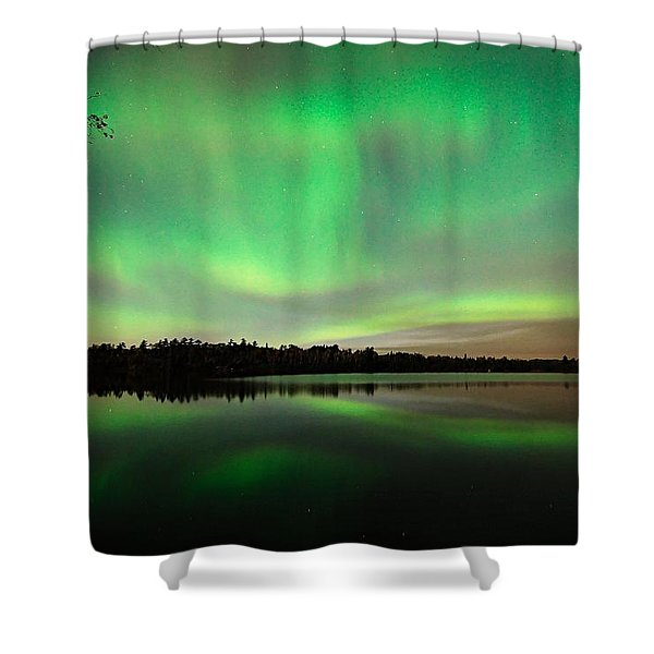 Aurora Over Tofte Lake Shower Curtain