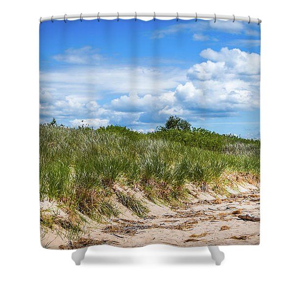 Shower Curtain featuring the photograph Beach  by Lester Plank