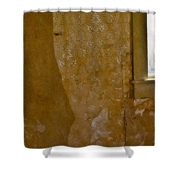 Bodie 37 Shower Curtain