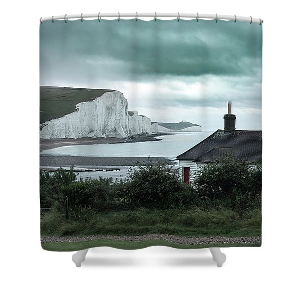 brewing storm Seven Sisters - England Shower Curtain