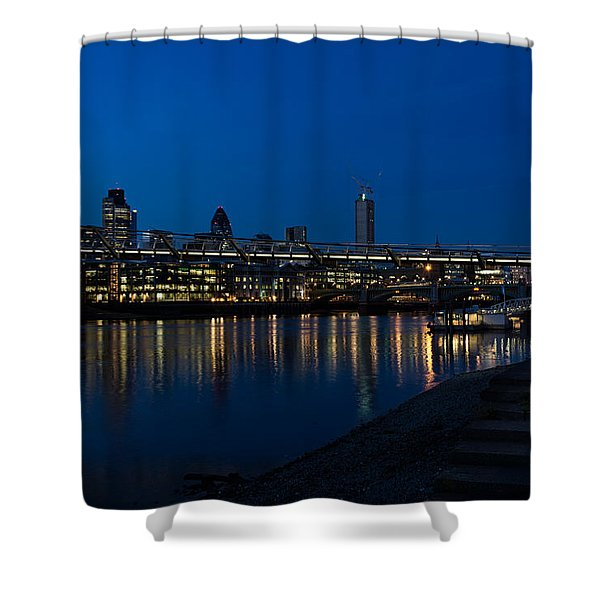 British Symbols And Landmarks - Millennium Bridge And Thames River At Low Tide Shower Curtain