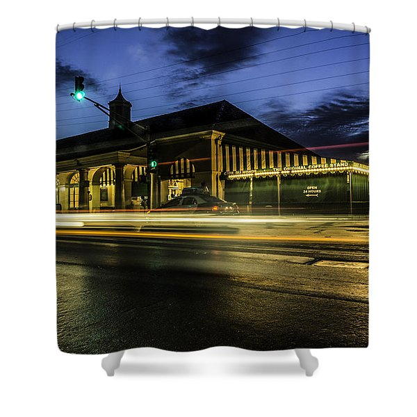 Cafe Du Monde, New Orleans, Louisiana Shower Curtain