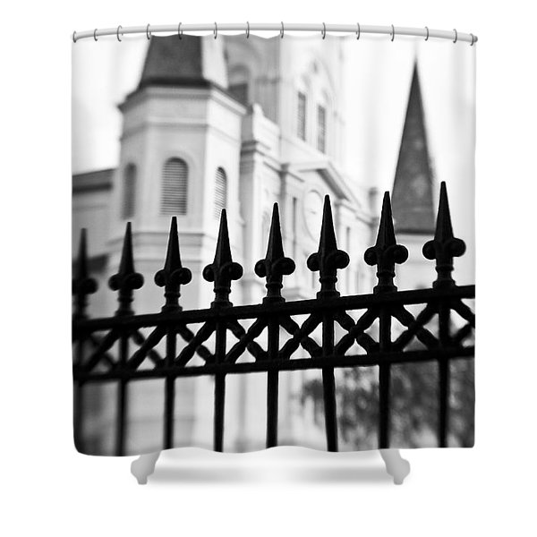 Catheral Basilica - Bw Shower Curtain