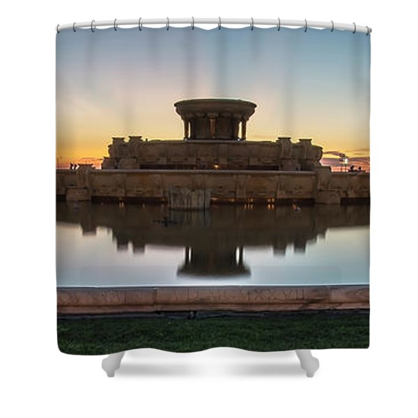 Chicago's Buckingham Fountain At Dawn  Shower Curtain