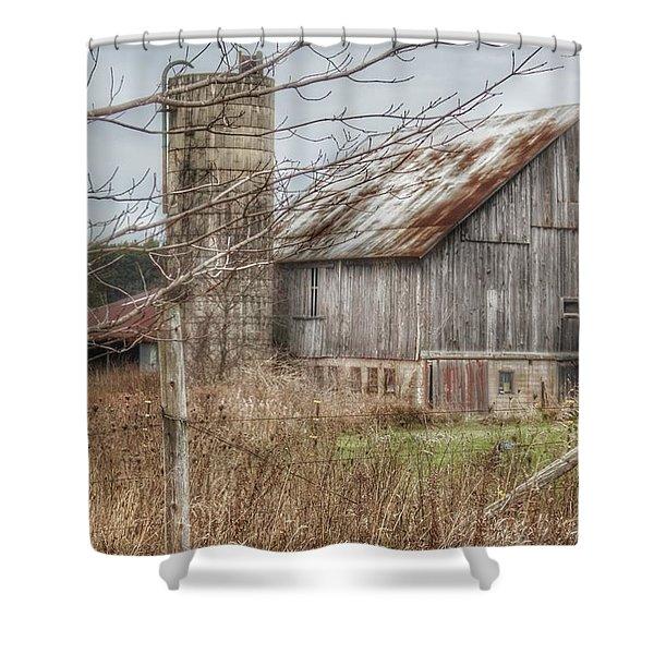 0008 - Churchill Christmas Barn Shower Curtain