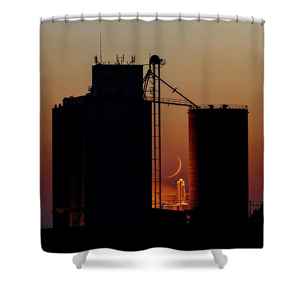 Shower Curtain featuring the photograph Crescent Moon At Laird 08 by Rob Graham