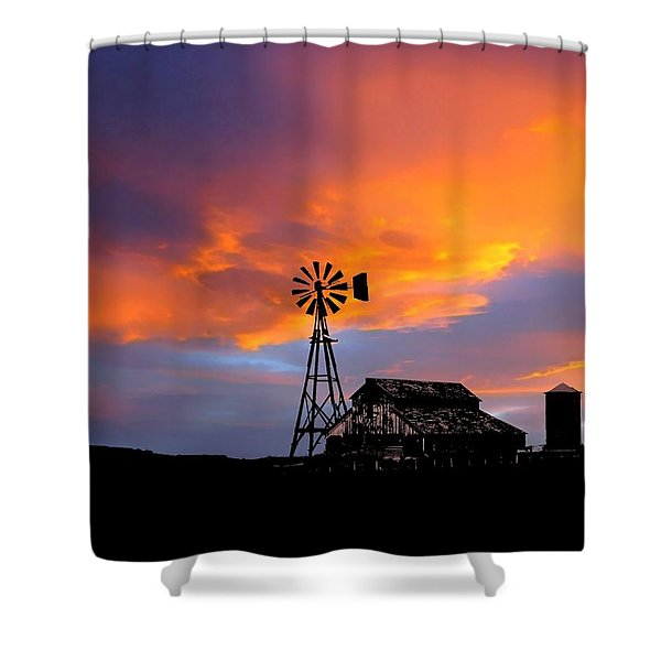 Shower Curtain featuring the photograph Day Is Done by Deleas Kilgore