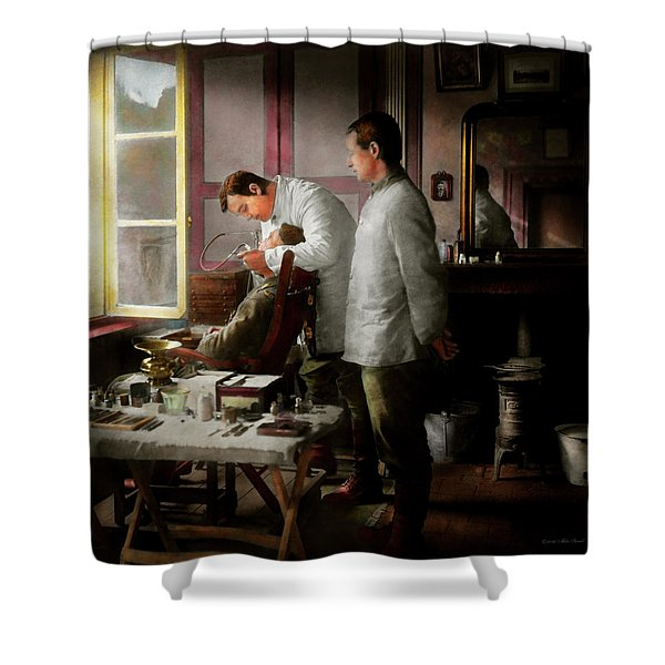 Dentist - The Horrors Of War 1917 Shower Curtain