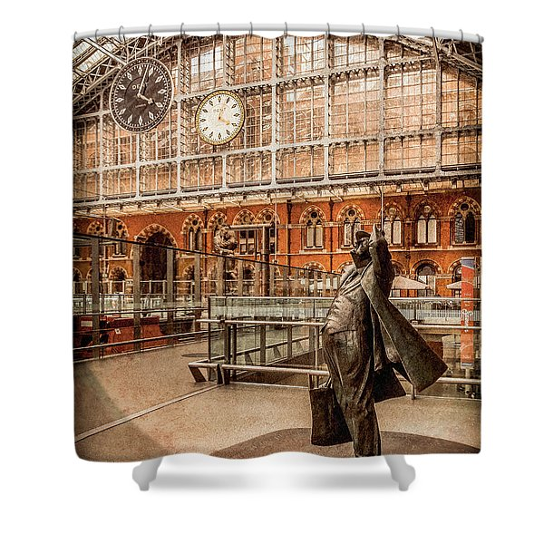 London, England - Flying Time Shower Curtain