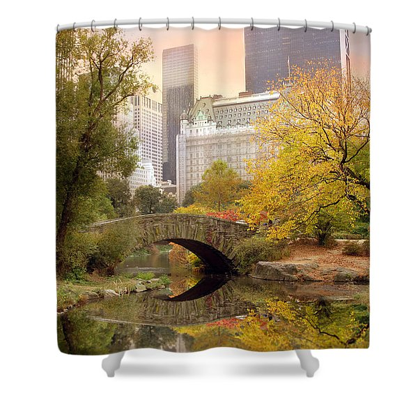 Gapstow Bridge Reflections Shower Curtain