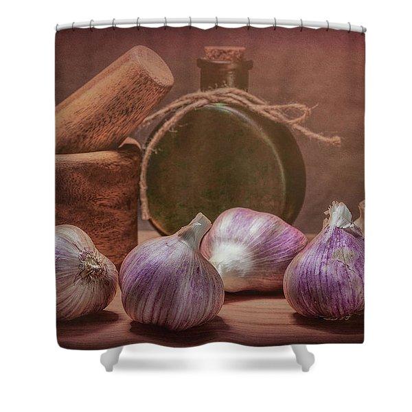 Garlic Bulbs Shower Curtain