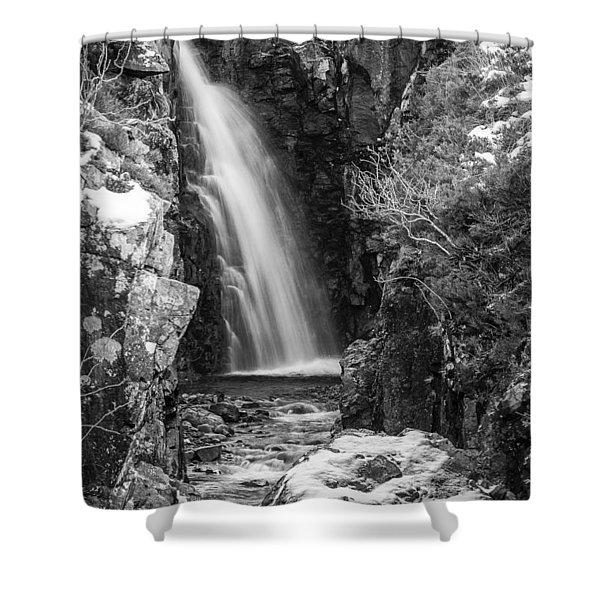 Glen Brittle Shower Curtain