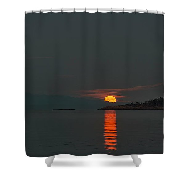 Shower Curtain featuring the photograph Harvest Moon by Randy Hall