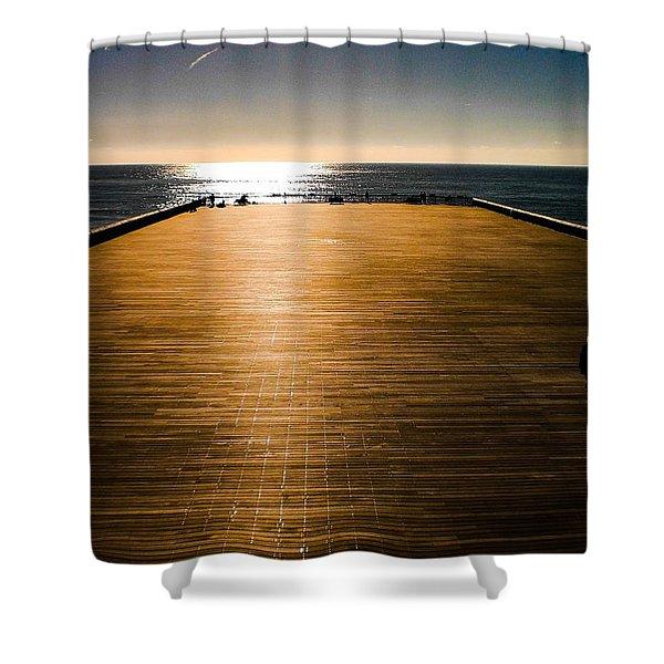 Hastings Pier, Hastings, Sussex, England Shower Curtain