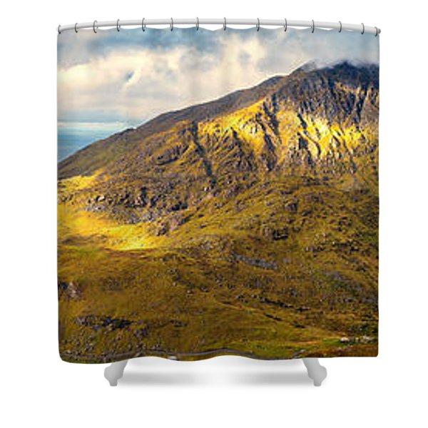 Holandsmelen North Shower Curtain