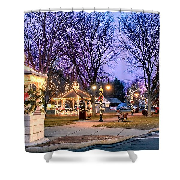Shower Curtain featuring the photograph Holiday Lights In Easthampton by Sven Kielhorn
