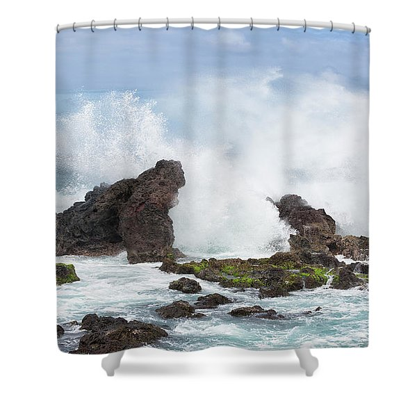 Shower Curtain featuring the photograph Hookipa Point by Randy Hall