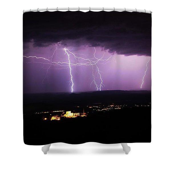 Horizontal And Vertical Lightning Shower Curtain