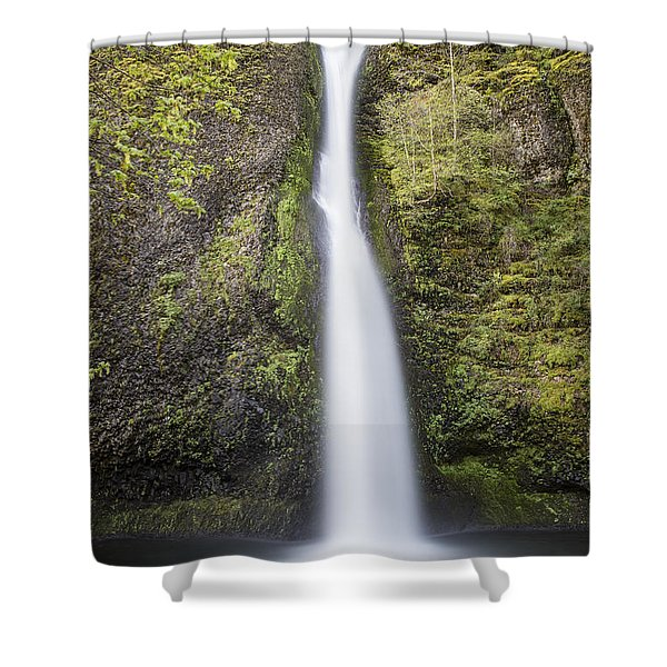 Horsetail Falls In Oregon With Splash Shower Curtain