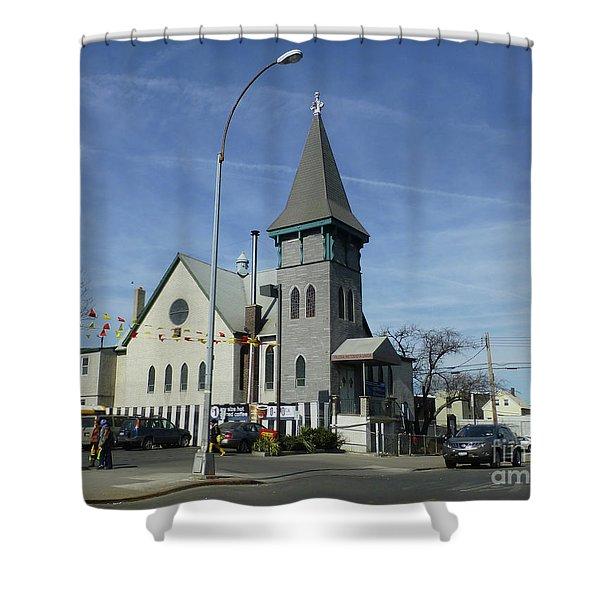Iglesia Metodista Unida Church Shower Curtain