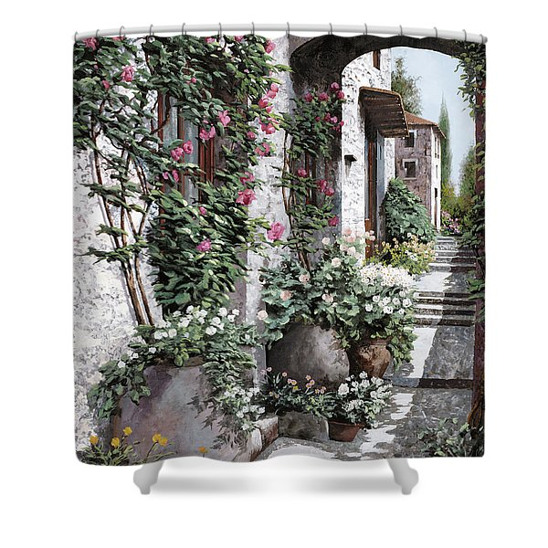 Le Rose Rampicanti Shower Curtain