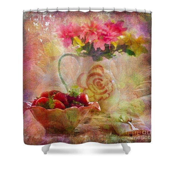 Les Fraises Et Les Fleurs 2015 Shower Curtain
