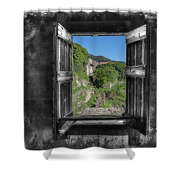 Let's Open The Windows - Apriamo Le Finestre Shower Curtain
