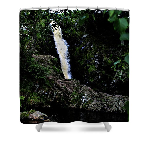 Linhope Spout Shower Curtain