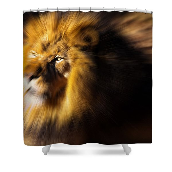 Lion The King Is Comming Shower Curtain