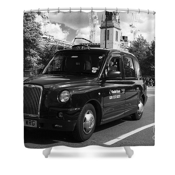 Shower Curtain featuring the photograph London Taxi by Agusti Pardo Rossello