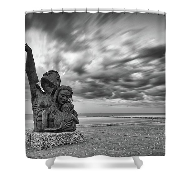 Long Exposure Of The 1900 Hurricane Storm Memorial At The Galveston Seawall - Texas Gulf Coast Shower Curtain