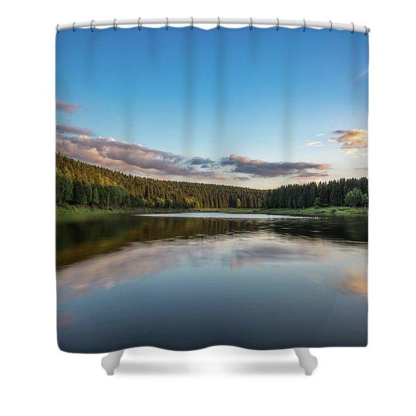 Mandelholz, Harz Shower Curtain
