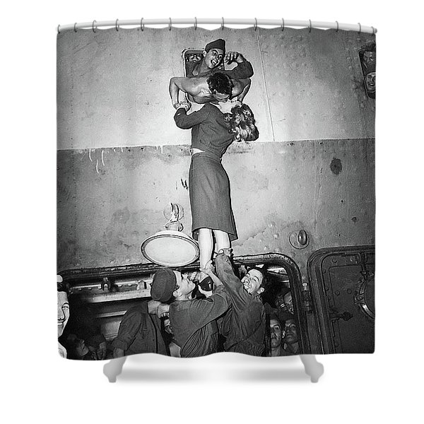 Marlene Dietrich Kissing Soldier Returning From Ww2 1945 Shower Curtain