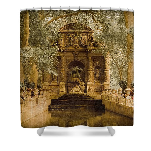 Paris, France - Medici Fountain Oldstyle Shower Curtain