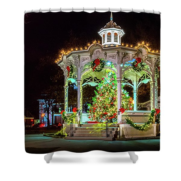 Medina, Ohio Christmas On The Square. Shower Curtain