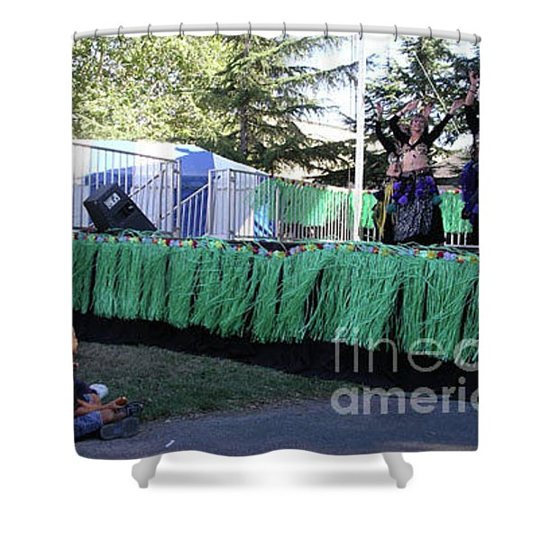 Shower Curtain featuring the photograph Mesmerized By Those Bellies by Cynthia Marcopulos