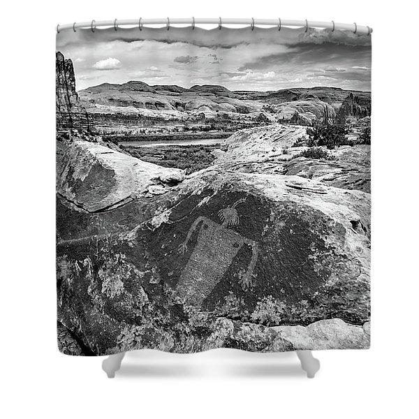 Moab Maiden Petroglyph - Black And White - Utah Shower Curtain