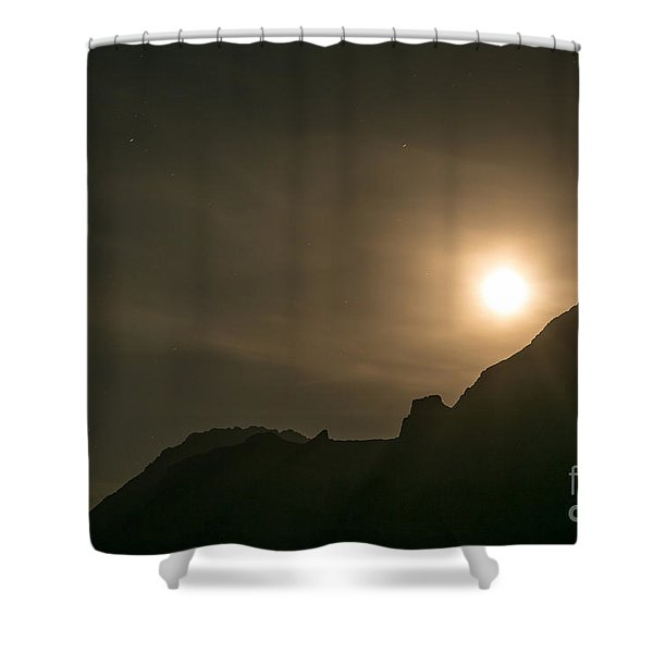 Shower Curtain featuring the photograph Moon Rising by John Wadleigh