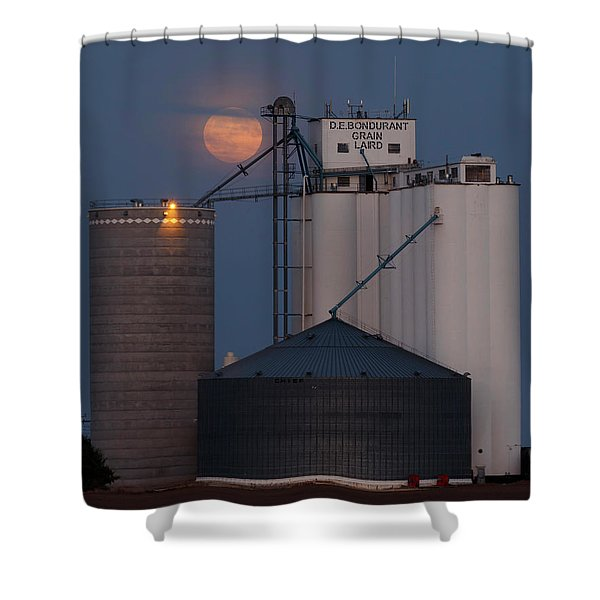 Moonrise At Laird -01 Shower Curtain
