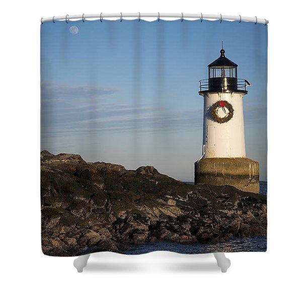 Moonrise Over Fort Pickering Lighthouse Salem Ma Winter Island Wreath Shower Curtain