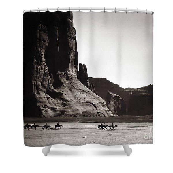 Navajos Canyon De Chelly, 1904 Shower Curtain