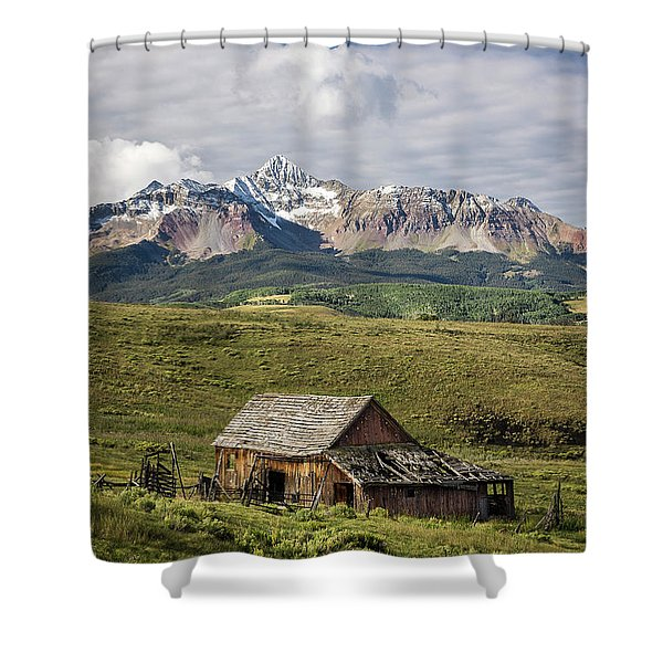 Old Barn And Wilson Peak Vertical Shower Curtain