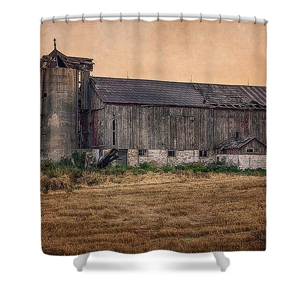 Shower Curtain featuring the photograph Old Country Barn by Garvin Hunter