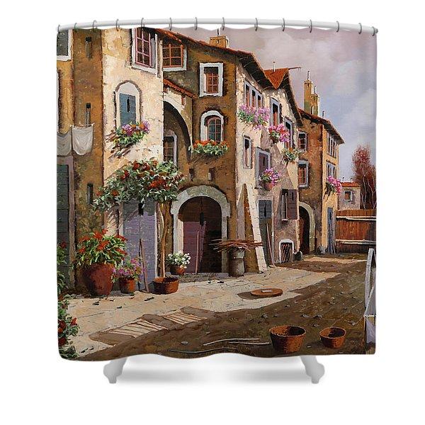 Ombre Per Strada Shower Curtain