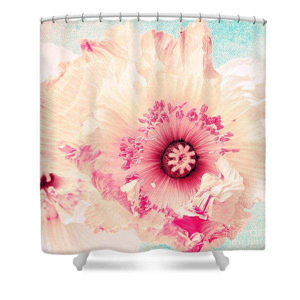 Pastell Poppy Shower Curtain